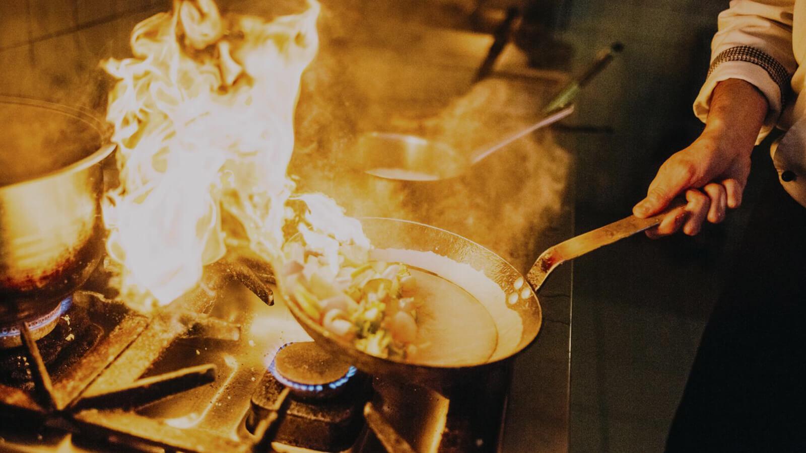 pozar-u-kuhinji-kako-ugasiti-vatrogasci-sveta-klara